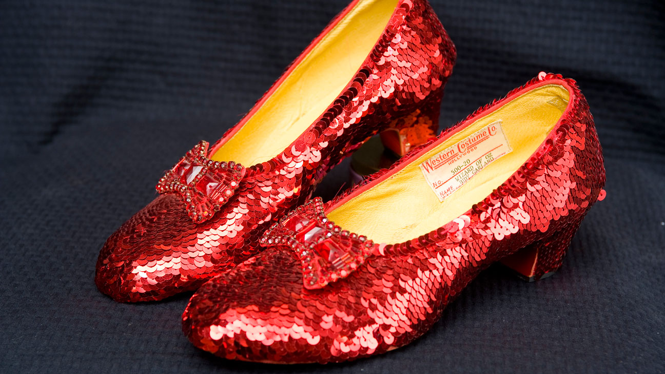 wizard_of_oz_ruby_red_slippers.jpg