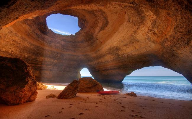 jaskinia6benagilportugalia.jpg