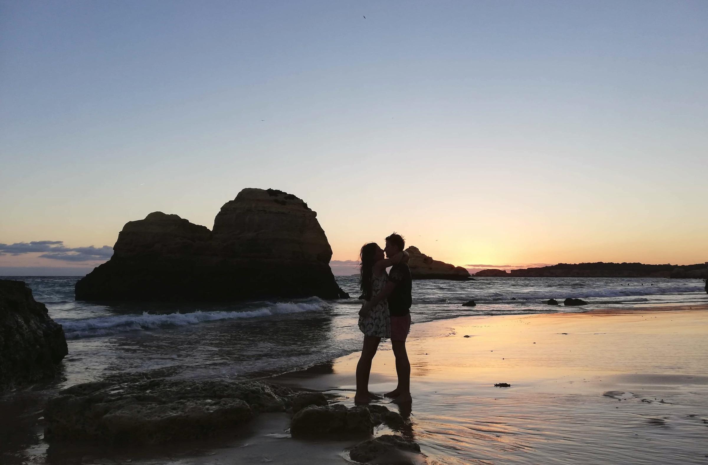 praia-da-rocha-algarve-portugalia-zach%C