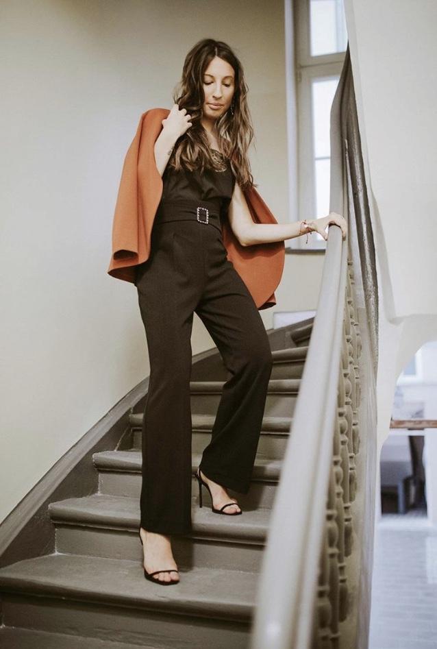 elegancka-stylizacja-na-sylwestra-czarny