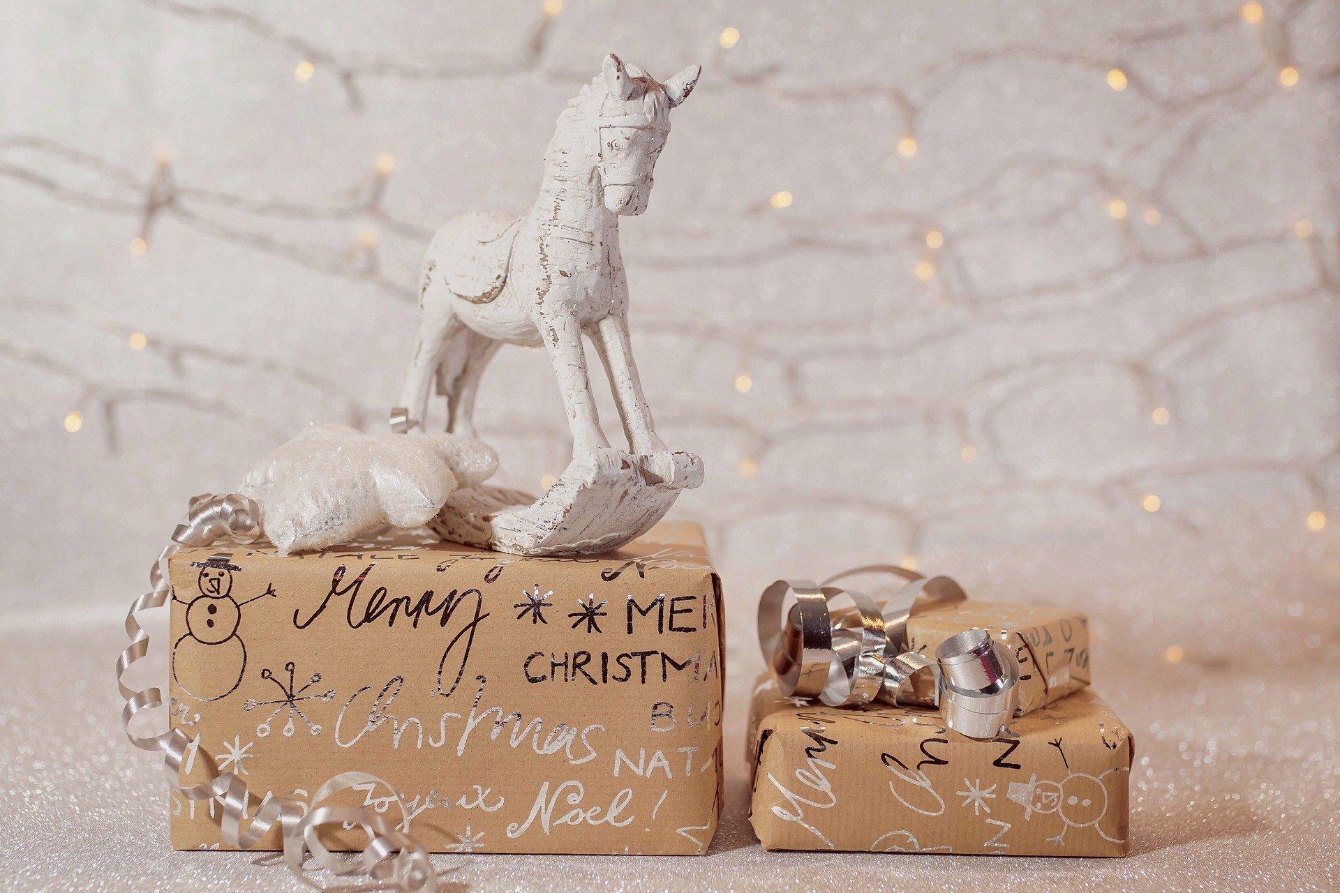 christmas-4649793_1920.jpg